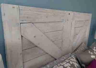 barn-door-headboard-02