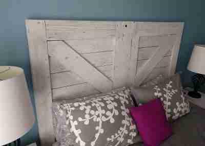 barn-door-headboard-03